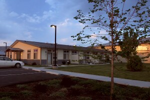 Richland School Apartments meets the housing needs of the aging population in Richland, Ore. (Photo: Courtesy of Pinnacle Architecture)