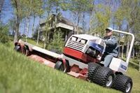 All-wheel-drive compact tractor