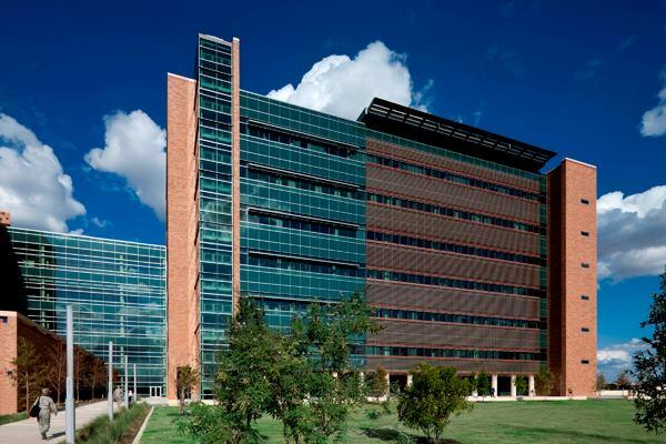 San Antonio Military Medical Center: An addition to the Brooke Army Medical Center, San Antonio, Texas, by RTKL Associates.