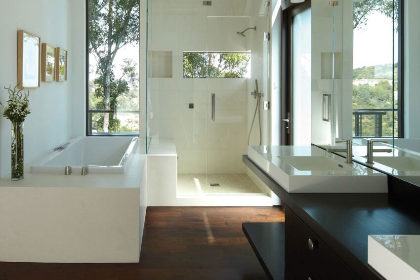 A Southern California Bath Delivers a Peak Experience at Human Scale