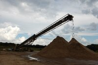 Improved Conveyor Belt Cleaning Reduces Maintenance at Sand Supplier