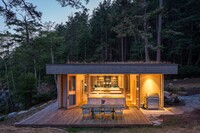 This Washington Cabin Uses Delicate Detailing to Protect Itself From Storms