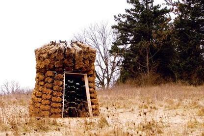 The series of instructional drawings outlines the steps to create the bundles of cattail, phragmite, and turkeyfoot that create the final result: a digitally fabricated thatch pavilion.