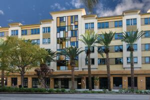 TOP HONORS: Bre Properties' 5600 Wilshire is the first multifamily building in Southern California to achieve California's Build It Green rating and LEED certification.