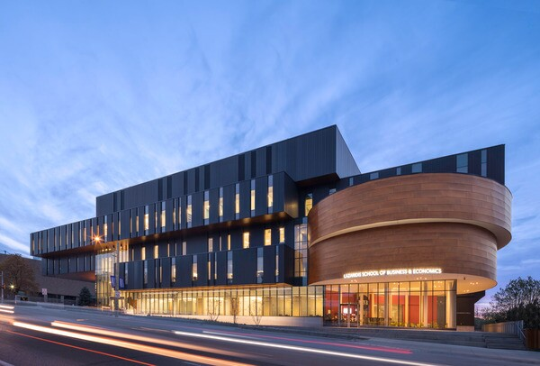 Lazaridis hall wilfrid laurier university architect for Architecture firms waterloo