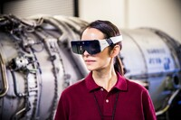 Smart Glasses by Daqri Scale Down Smart Helmet Technology
