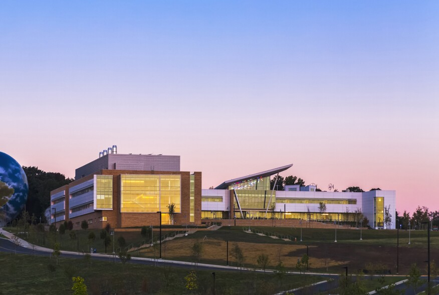 Montgomery College, Bioscience Education Center, Location: Germantown MD, Architect: Mitchell Giurgola