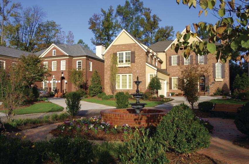 Past Tense: Projects such as Heydon Hall, a gated community developed in the early 2000s, exemplified the home sizes, price point, and commitment to design quality of Simonini Builders, where the company successfully merged contemporary interiors with historically referenced house styles.