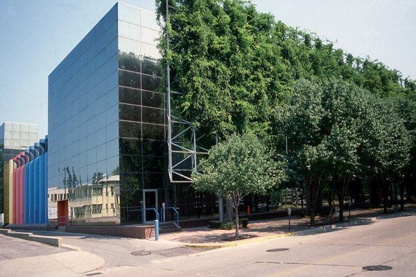 The Indiana Bell (now AT&T) Switching Center formerly sported a lushly-grown trellis (shown here in 1989).