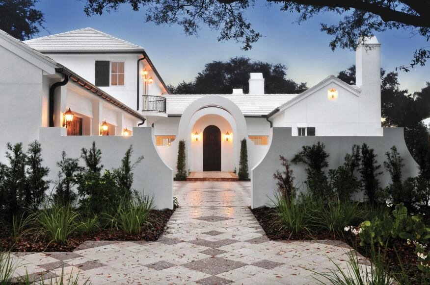 Plain But Fancy This Florida home combines traditional 1920s design with a modern appreciation for simplicity.