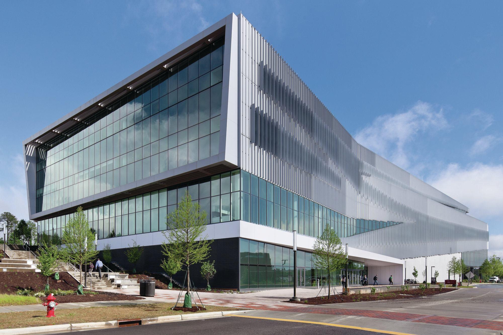 Residential Building Front Elevation : James b hunt jr library designed by snøhetta