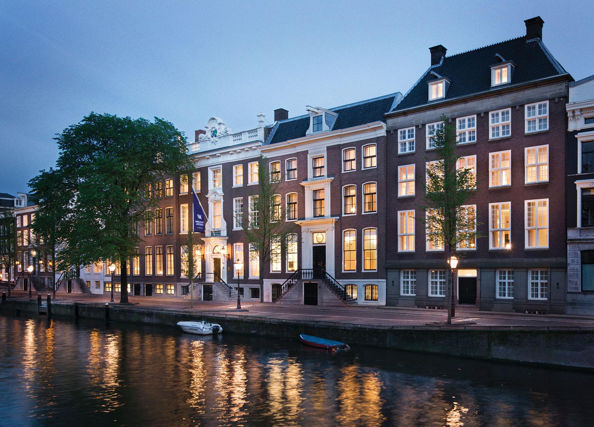Understated elegance architectural lighting magazine for Design consultancy amsterdam