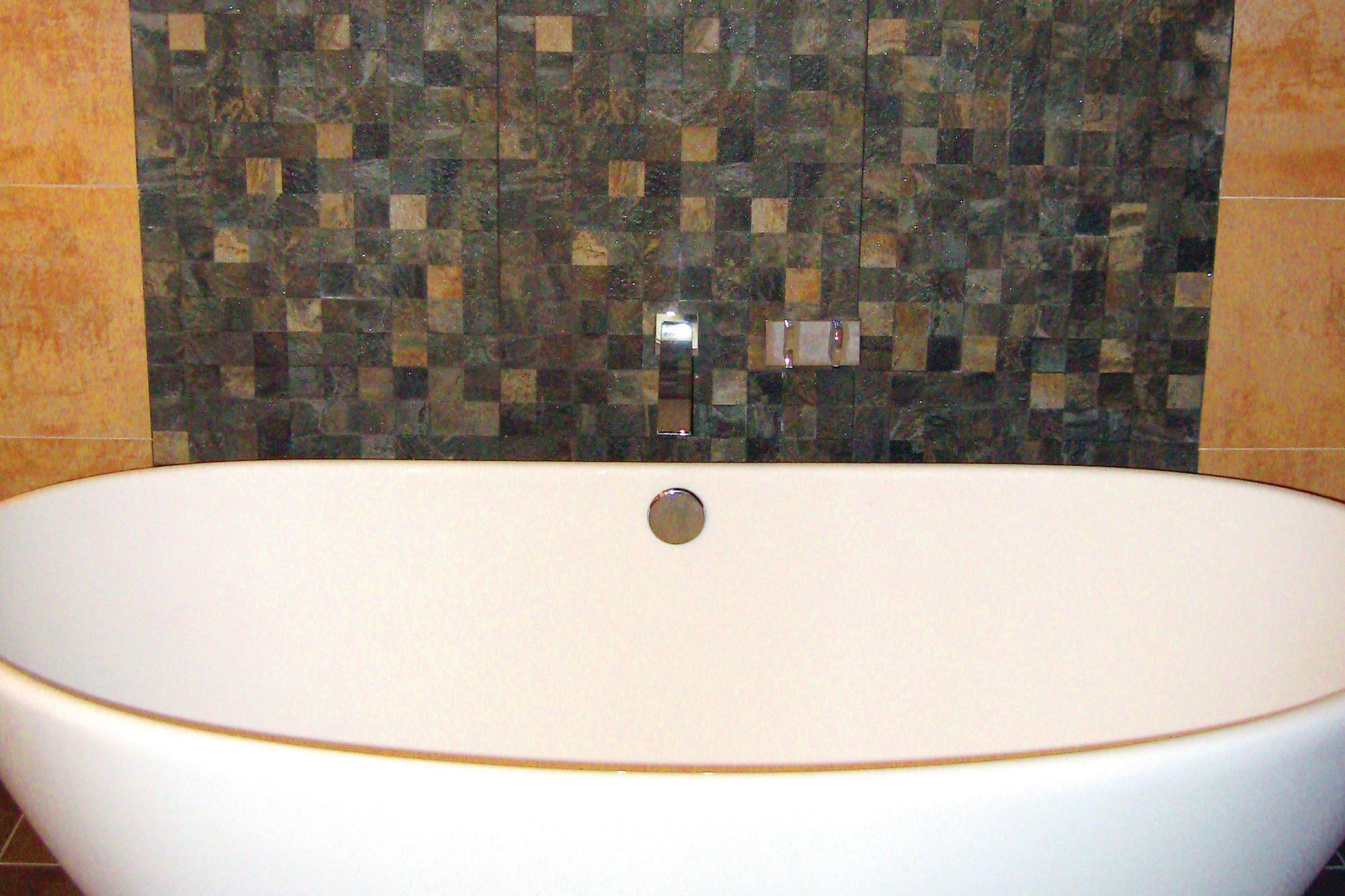 A Textured Backsplash Anchors A Freestanding Tub Builder Magazine Design Bath Tubs Washington Arlington Alexandria Dc Va Md Wv Mabel