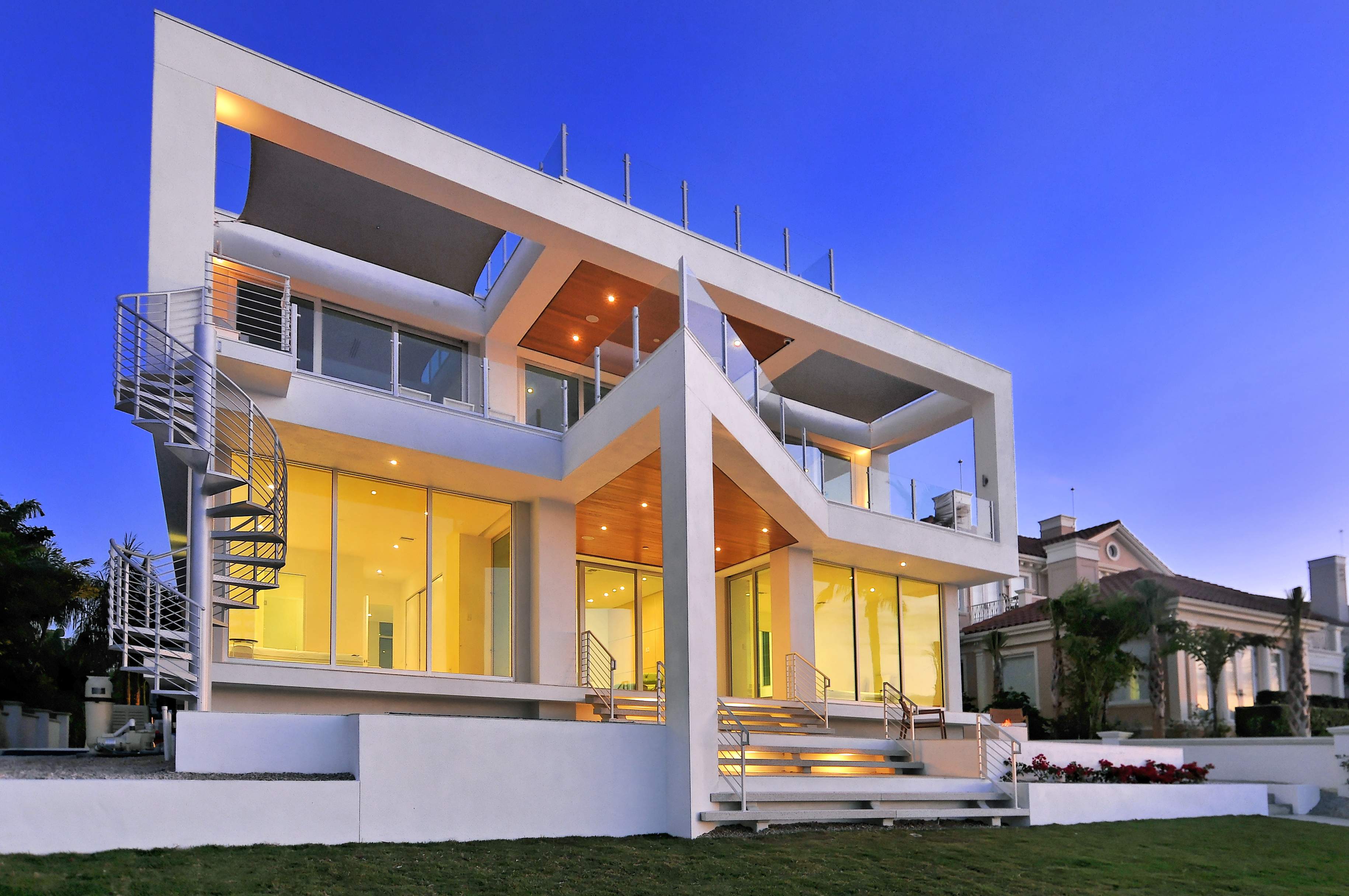 The picture frame house residential architect dsdg for Florida residential architects