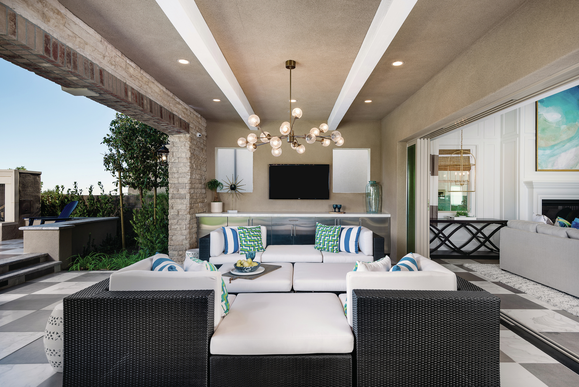 Open Air California Rooms Add A Luxury Element To Outdoor