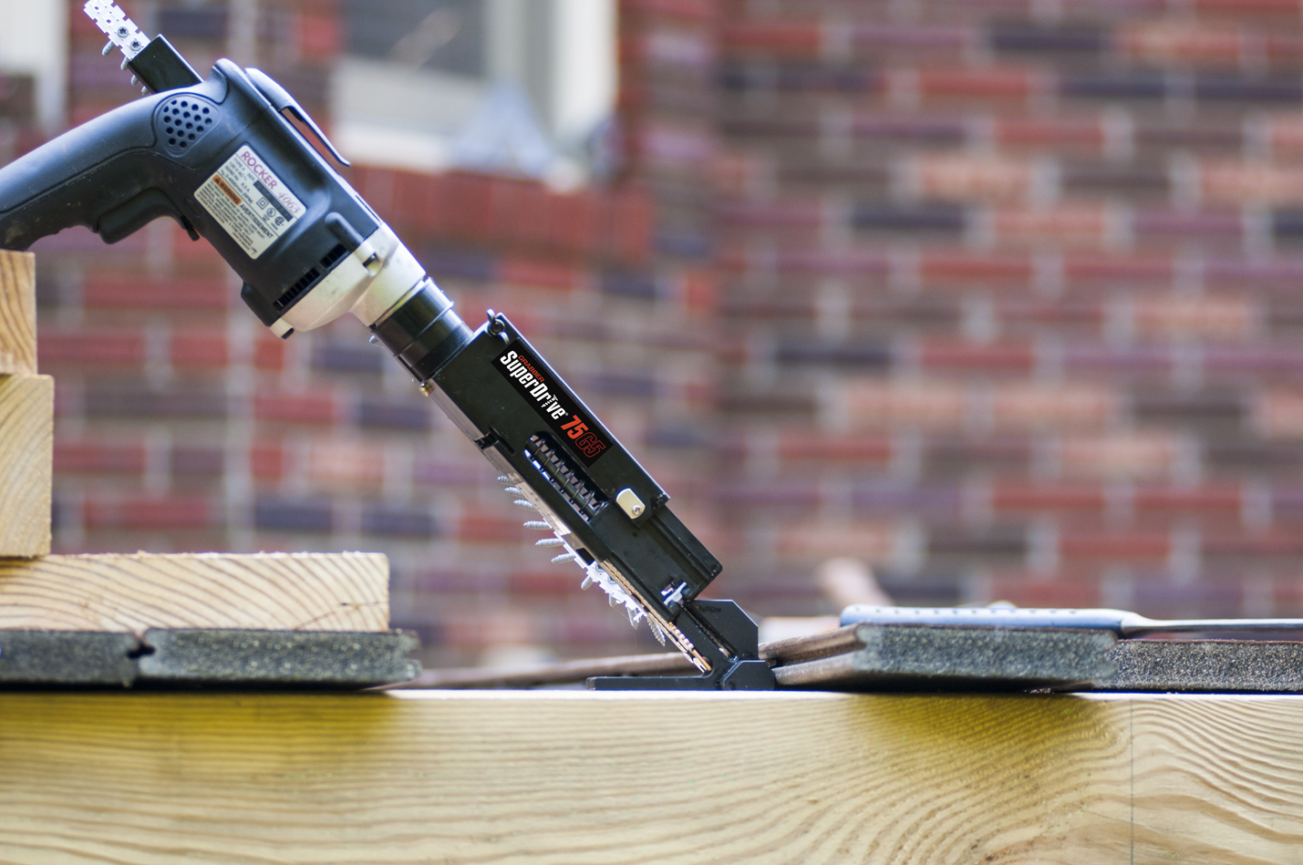 Superdrive 75g5 From Grabber Automates Clip Fastener