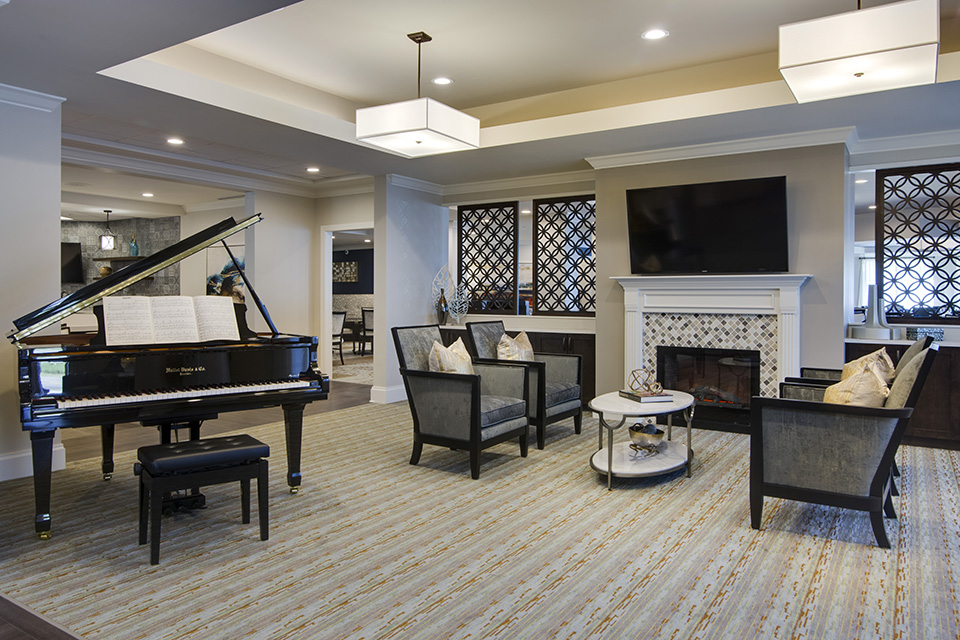 Transitional Design Offers Elegant Comfortable Senior Living