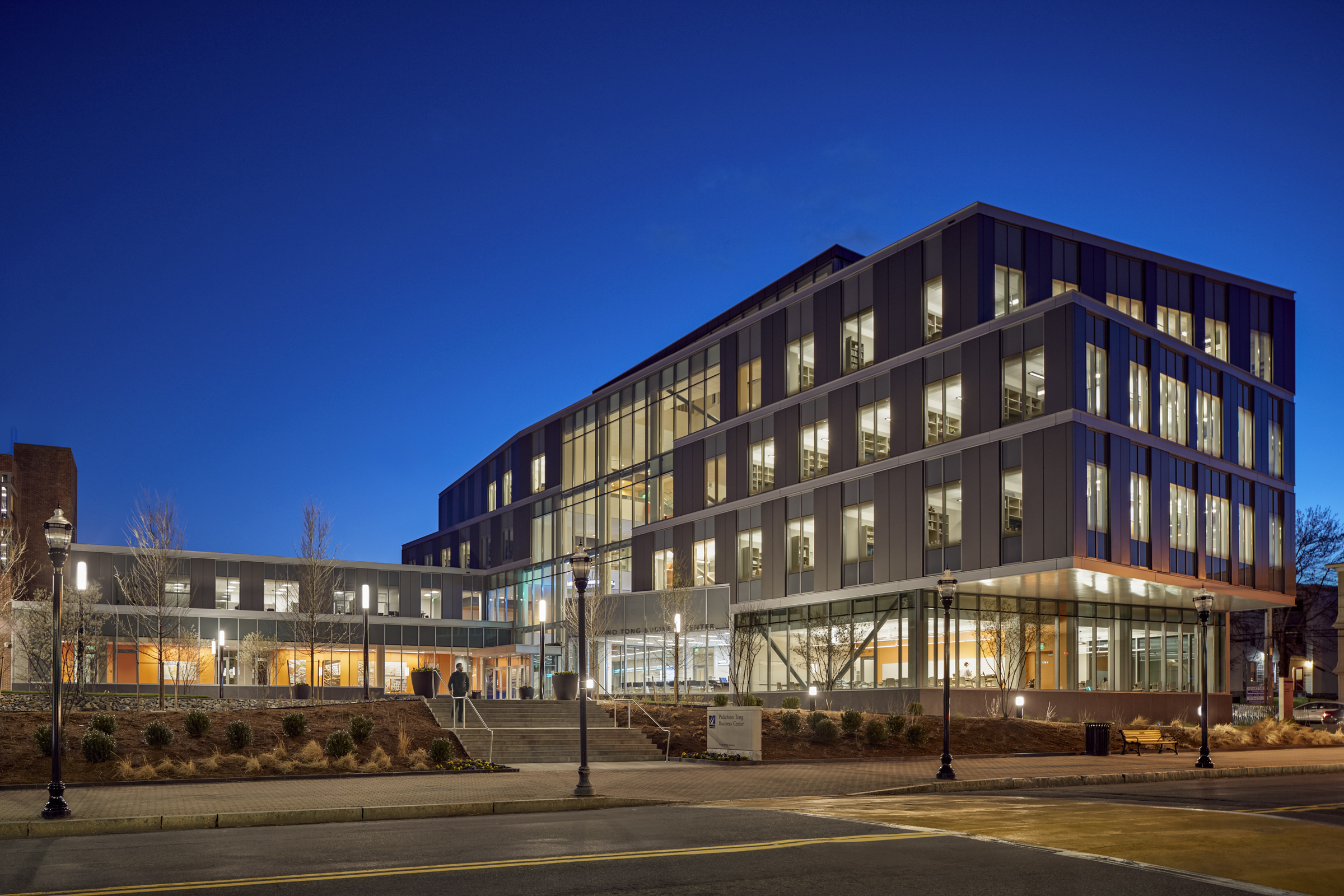 University Of Massachusetts Lowell >> Pulichino Tong Business Center, University of Massachusetts Lowell | Architect Magazine ...