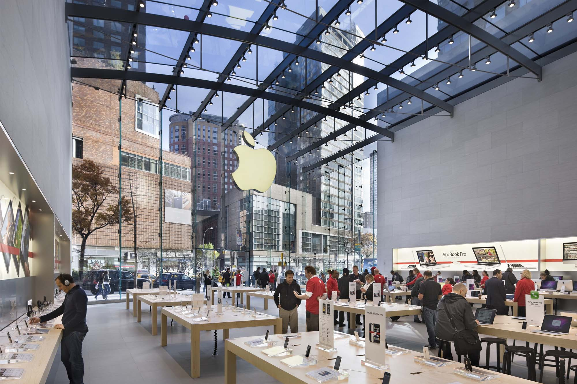 Apple store upper west side architect magazine bohlin for Design consulting nyc