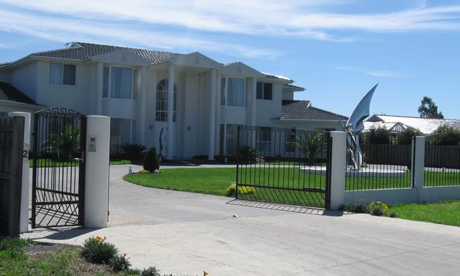 Luxury Home Builders | Custom Home Magazine | Evenwedge Homes, Kealba,  AUSTRALIA, Custom Home, Outbuilding, Single Family, Residential Projects