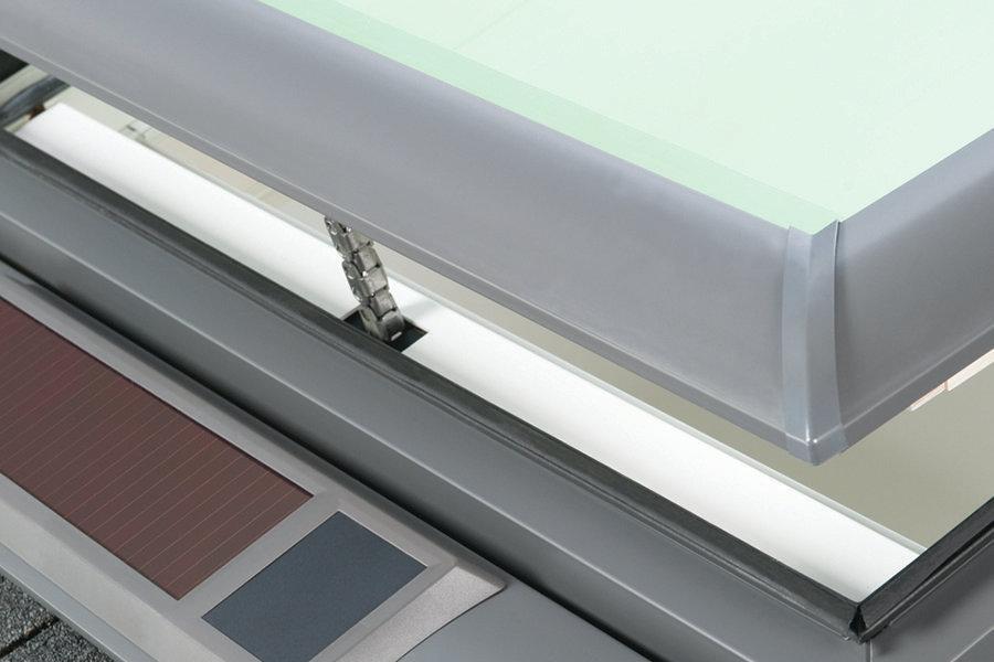 Super Sunlight Velux Solar Powered Fresh Air Skylight