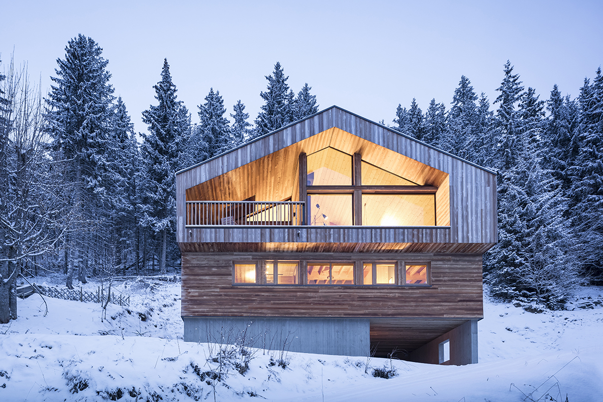 Mountain house architect magazine studio razavi for The mountain house