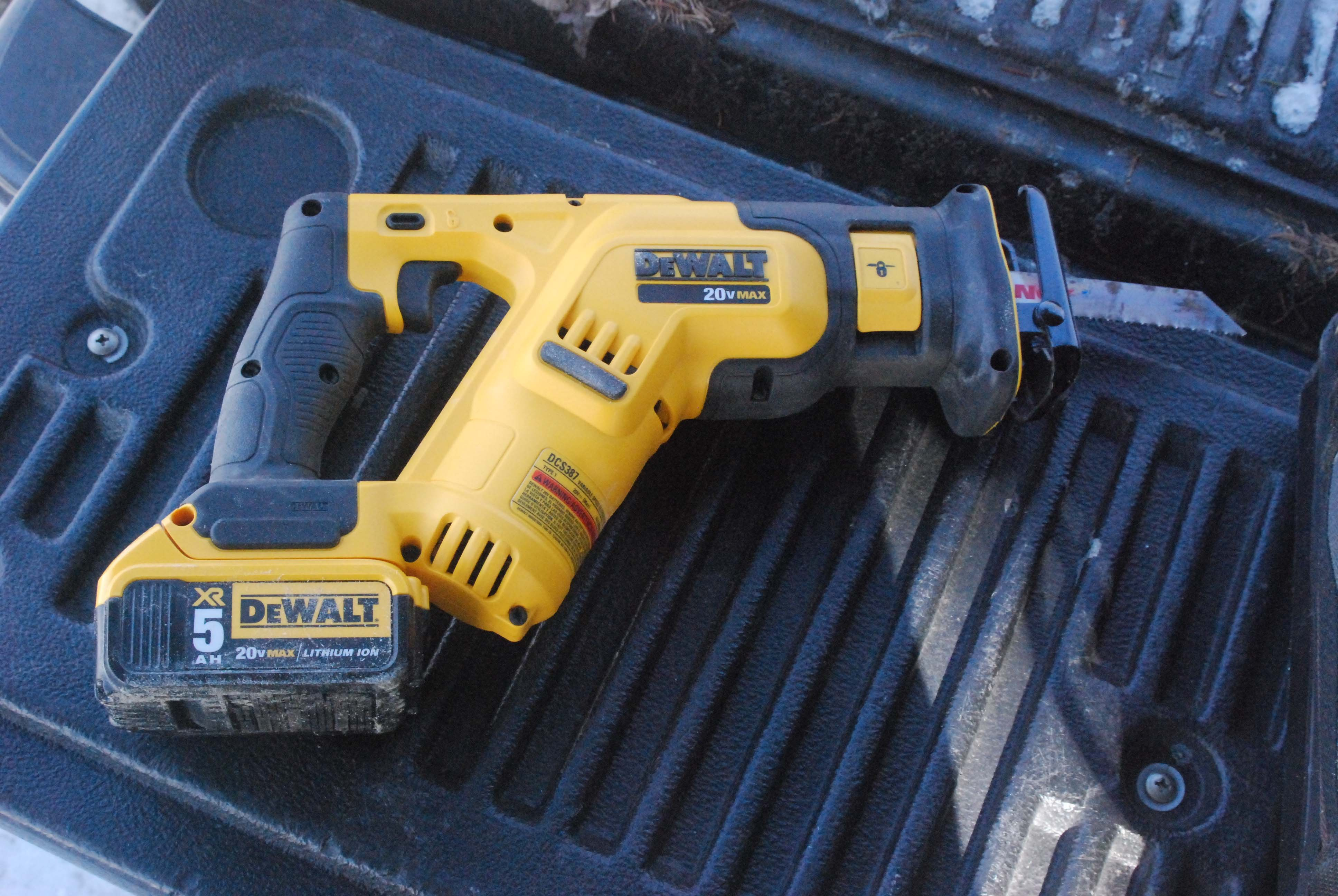 DeWalt 20V MAX Compact Reciprocating Saw | Tools of the Trade