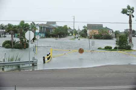 Scientists Puzzle Over Hurricane Ike S Quot Forerunner Quot Wave