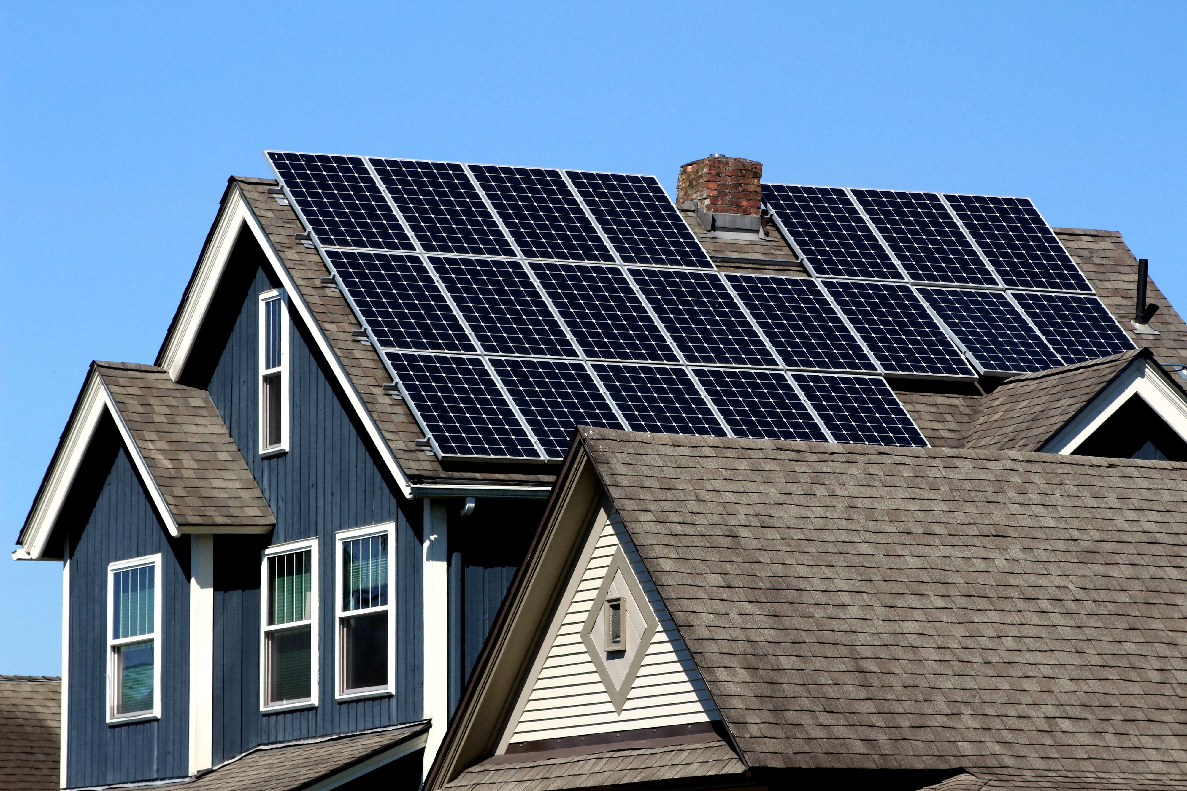 California Mandates Solar Panels With A Battery Option