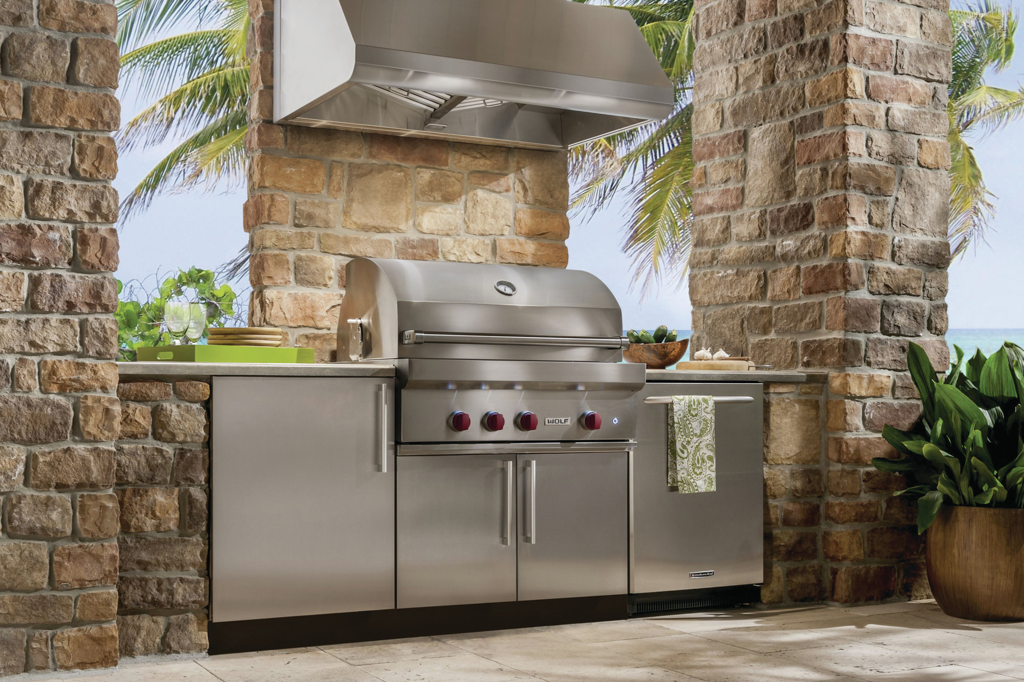 Try These Upgrades To Your Outdoor Kitchen Remodeling