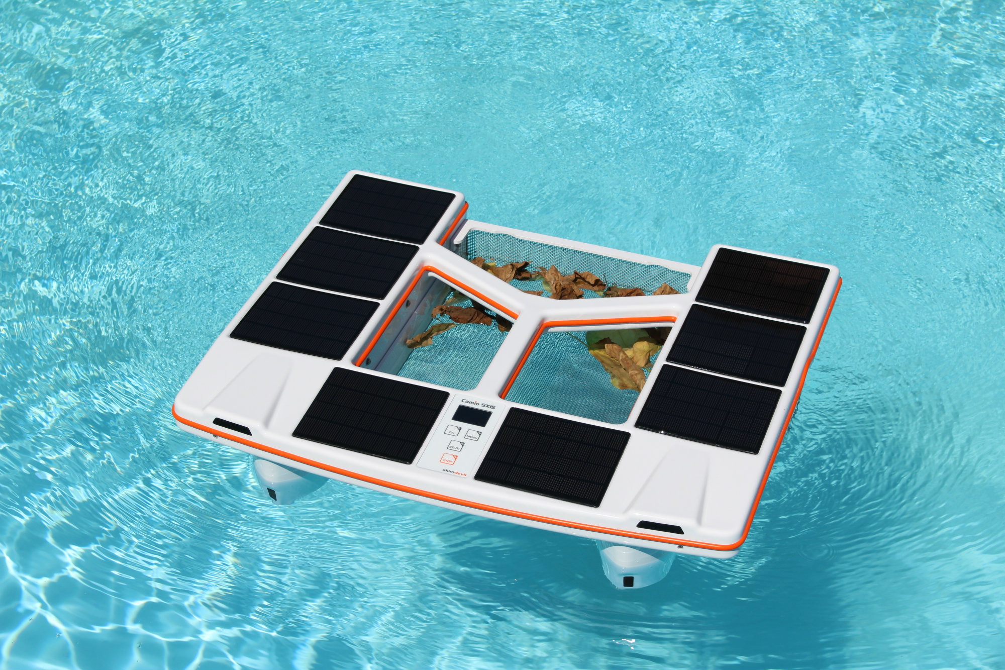 New Skimdevil Robotic Pool Cleaner Gives Users Remote