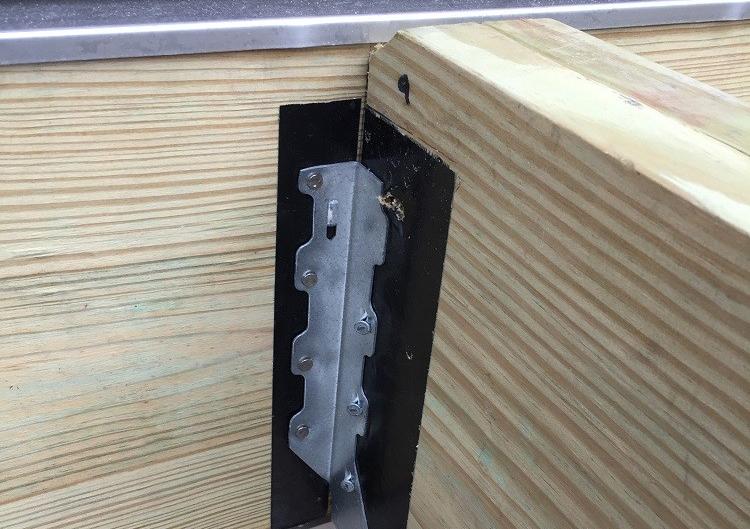 Mixing Metals Professional Deck Builder