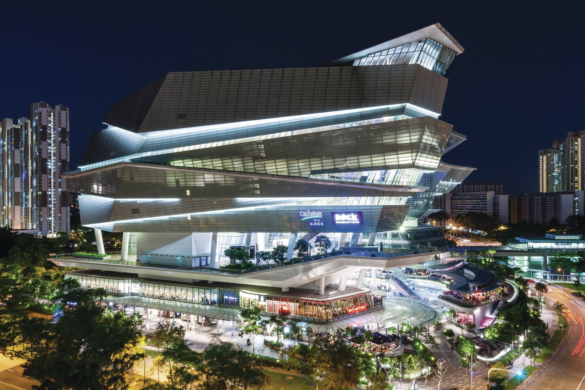 The star designed by andrew bromberg for aedas for Architecture firms in singapore