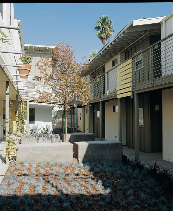 Cheap Apartments In California: Waterloo Heights Apartments