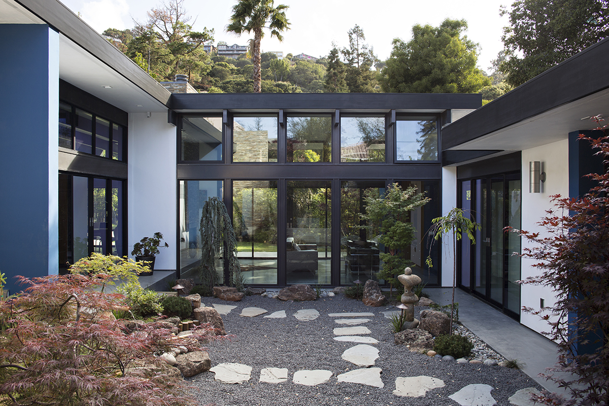 Modern atrium house residential architect klopf for Mid century modern residential architecture