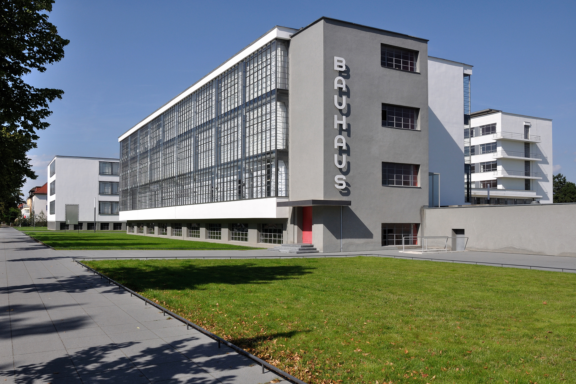 The Bauhaus According To Google