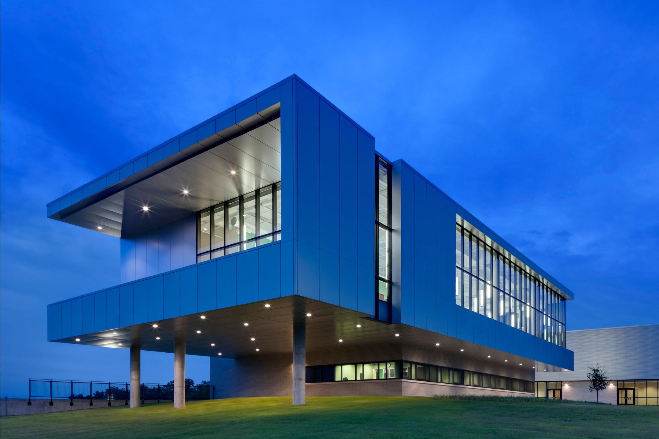 Zan wesley holmes jr middle school architect magazine for Smr landscape architects