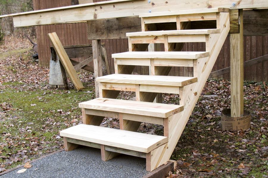 Building And Installing Deck Stairs Professional Builder