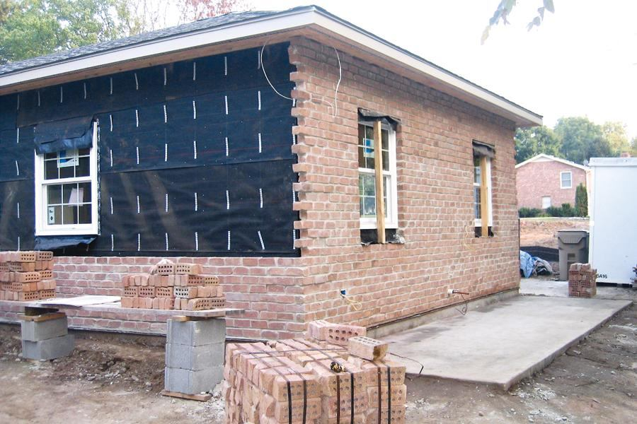 Troubleshooting brick veneer jlc online exteriors for What is brick veneer siding