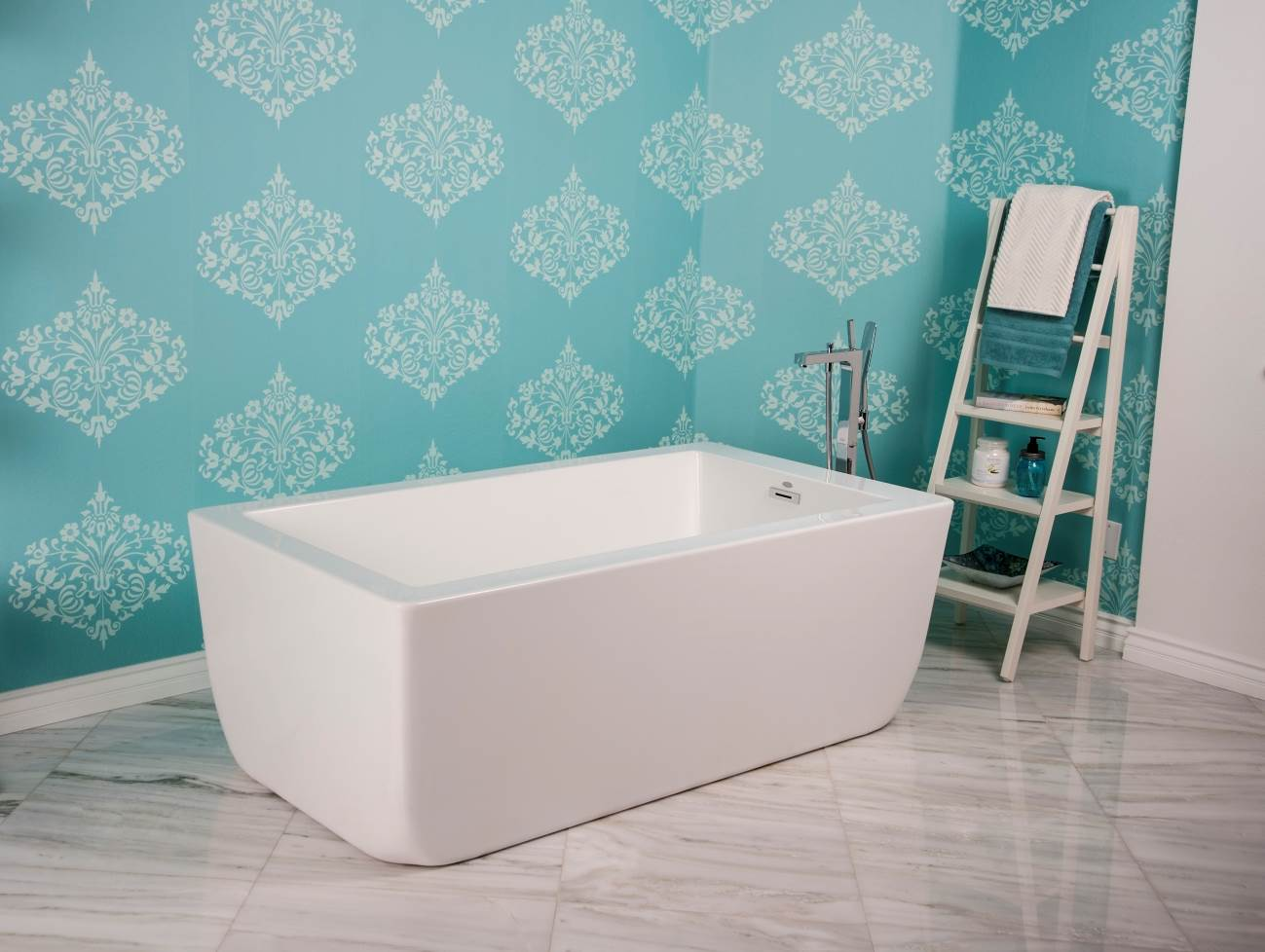 Momentum Grows for Showers, Freestanding Tubs in Master Baths ...