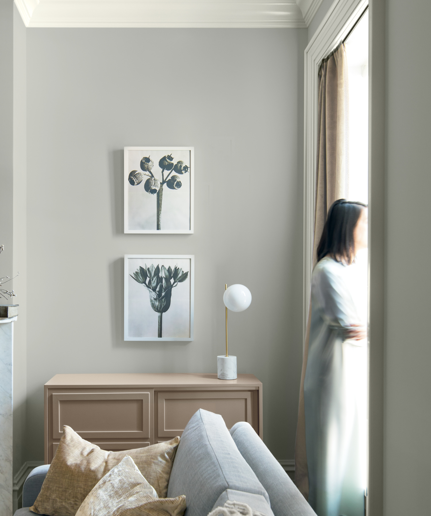 Benjamin Moore S 2019 Color Of The Year Is Metropolitan