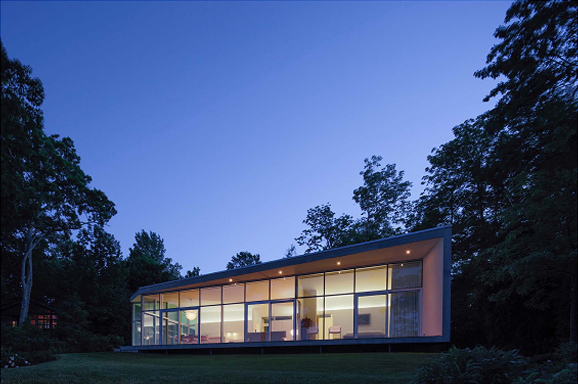 House on maine coast architect magazine toshiko mori for Building a house in maine
