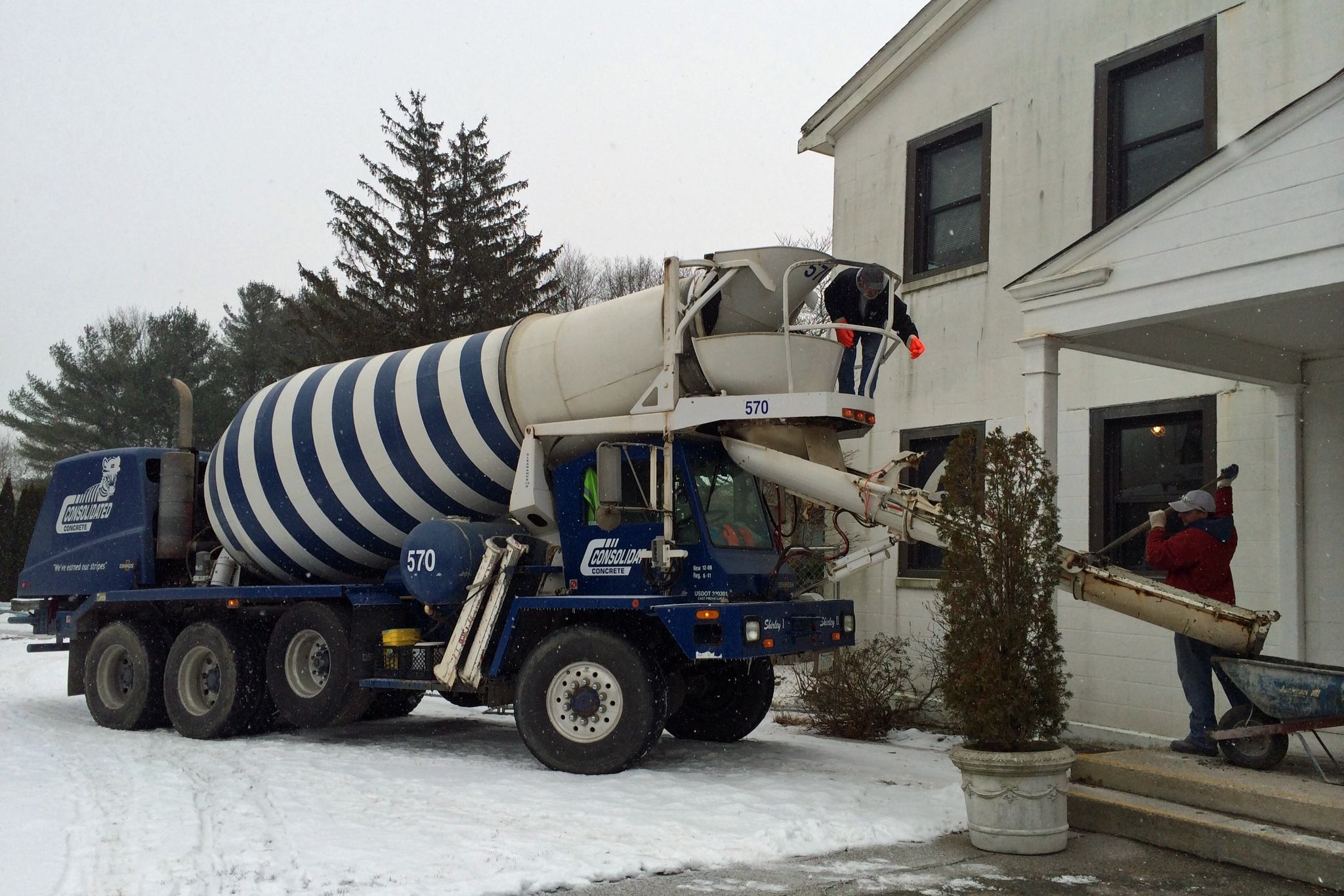How to set concrete in cold weather builder magazine for Concrete freezing