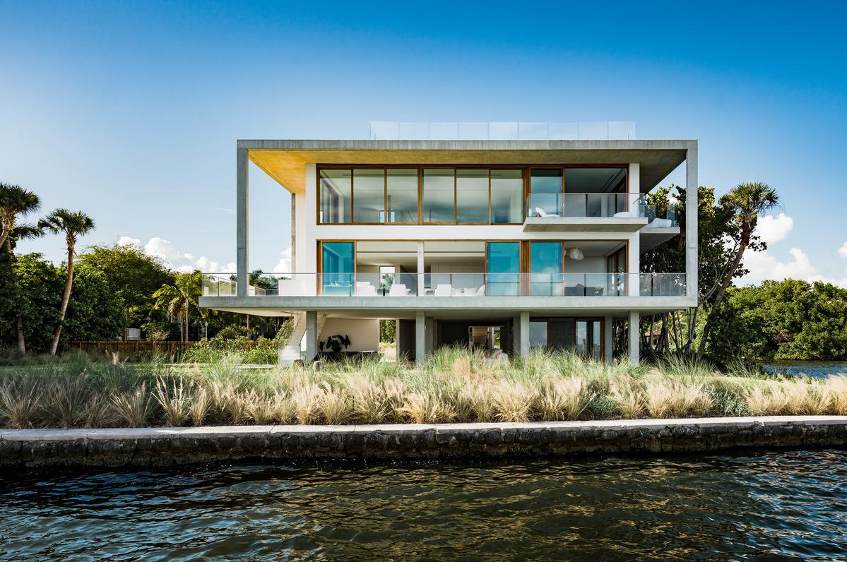 Modern Miami Villa Is A Concrete Oasis Builder Magazine
