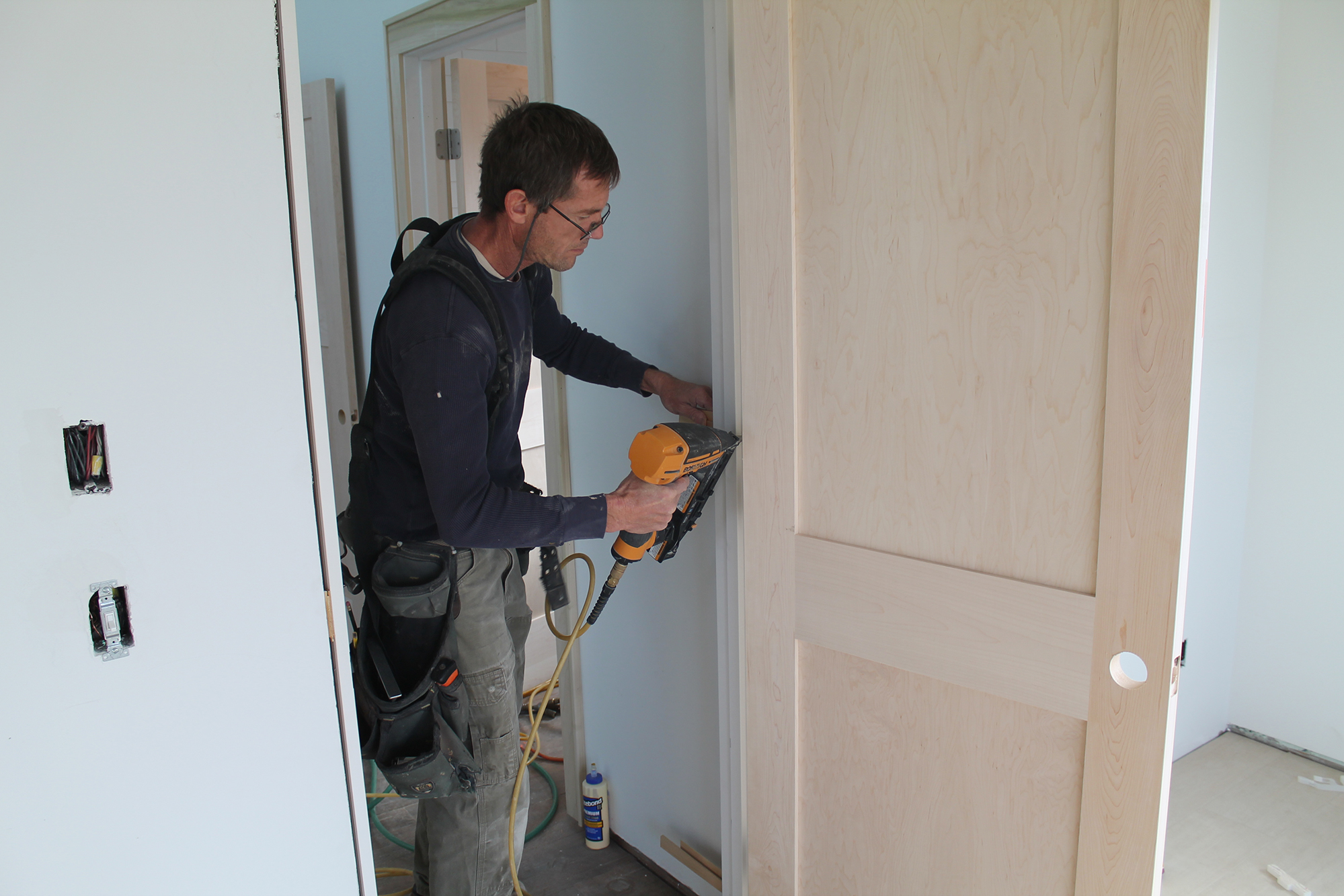 Hanging pre hung interior doors jlc online interiors doors carpentry finish carpentry for Hanging interior prehung doors