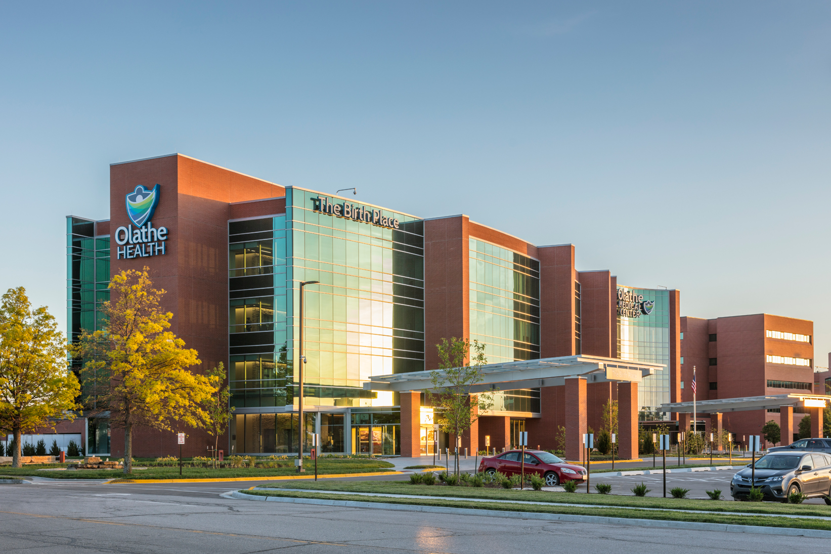 The birth place at olathe medical center architect magazine hmn architects inc olathe ks for American exteriors kc