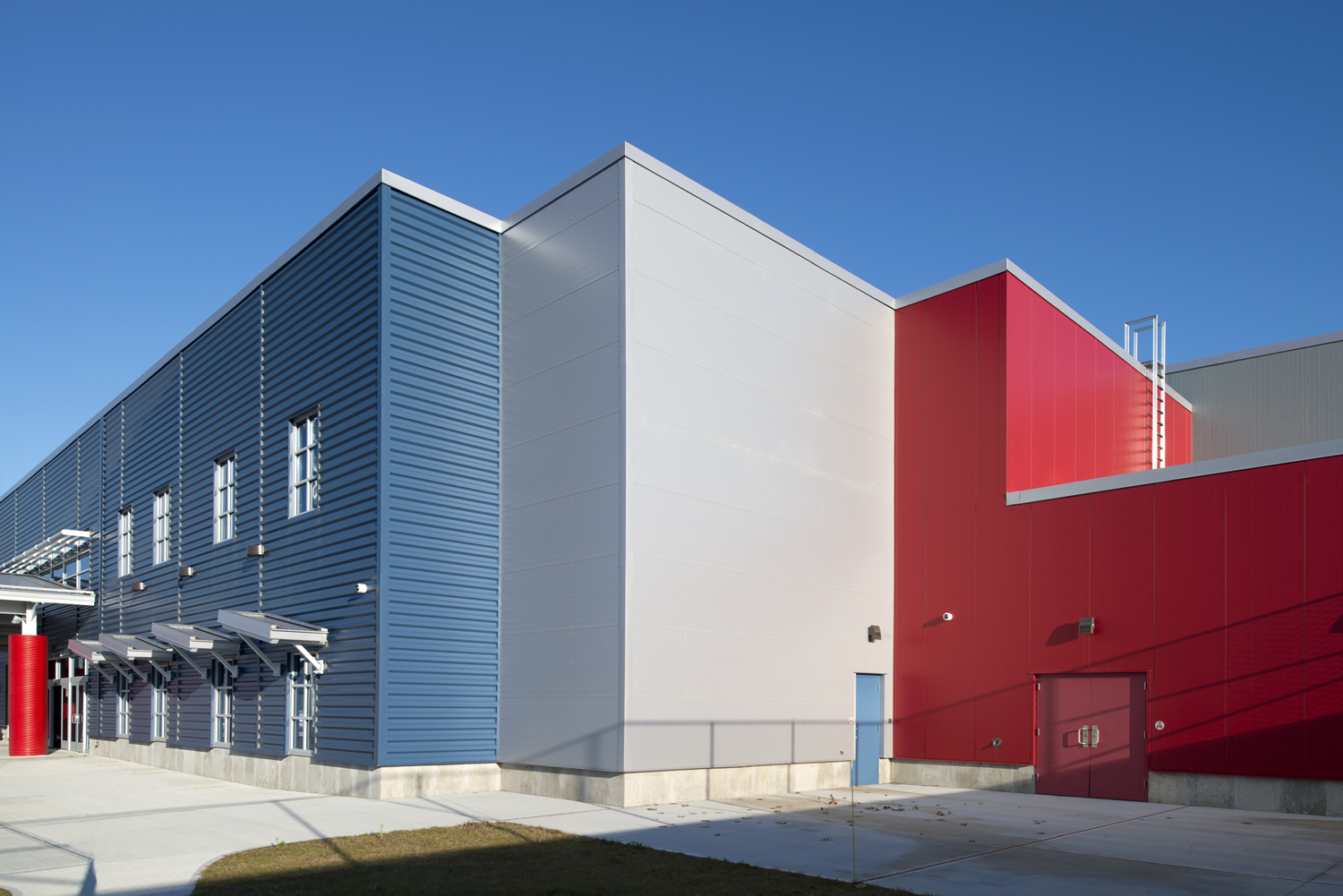 Twin Rinks Ice Center Turns to Insulated Metal Panels for