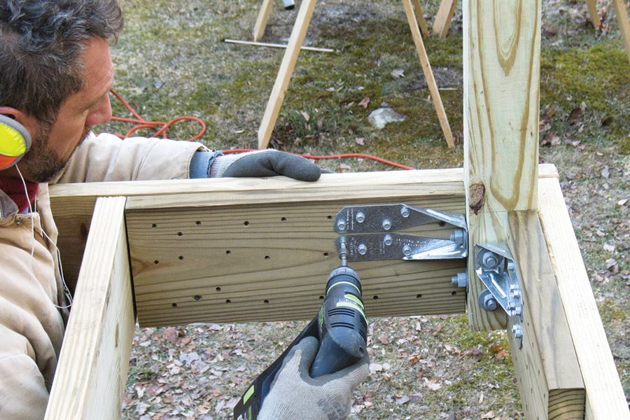 Building Outdoor Decks Can Be A Profitable Business For