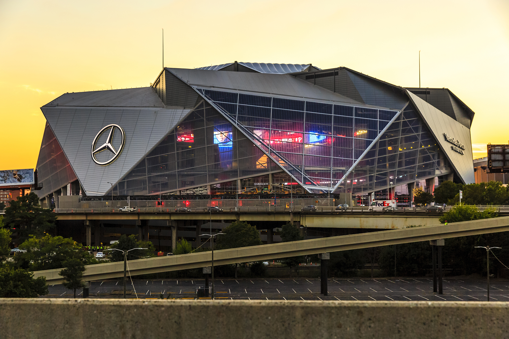 Mercedes benz stadium architect magazine hok atlanta for Mercedes benz stadium location