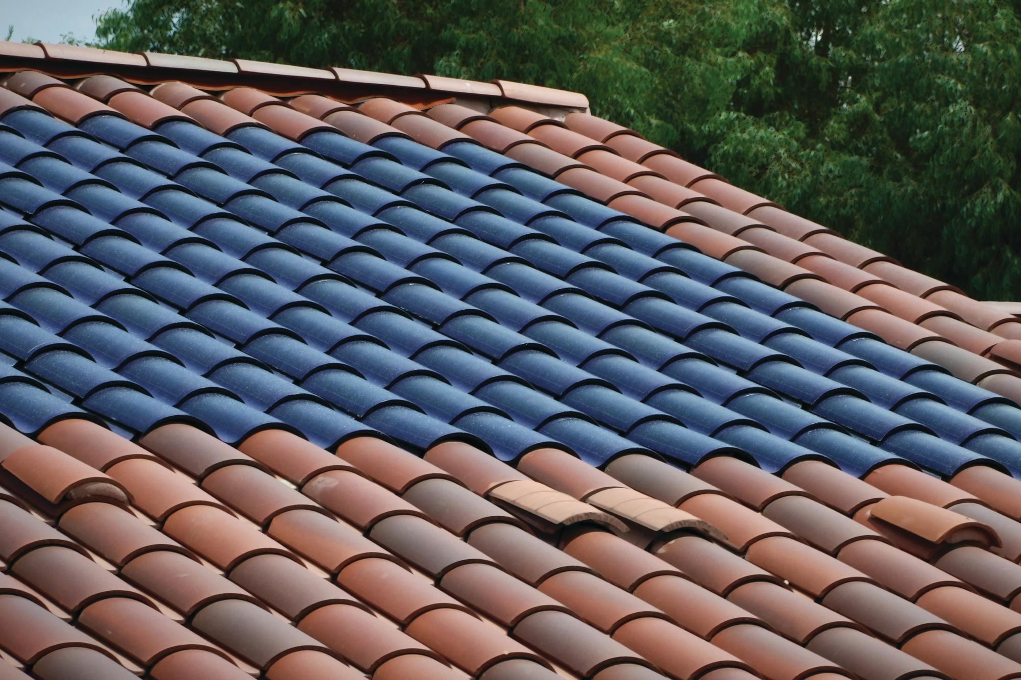 Manufacturers Say Seamless Solar Roofing Shingles Are The